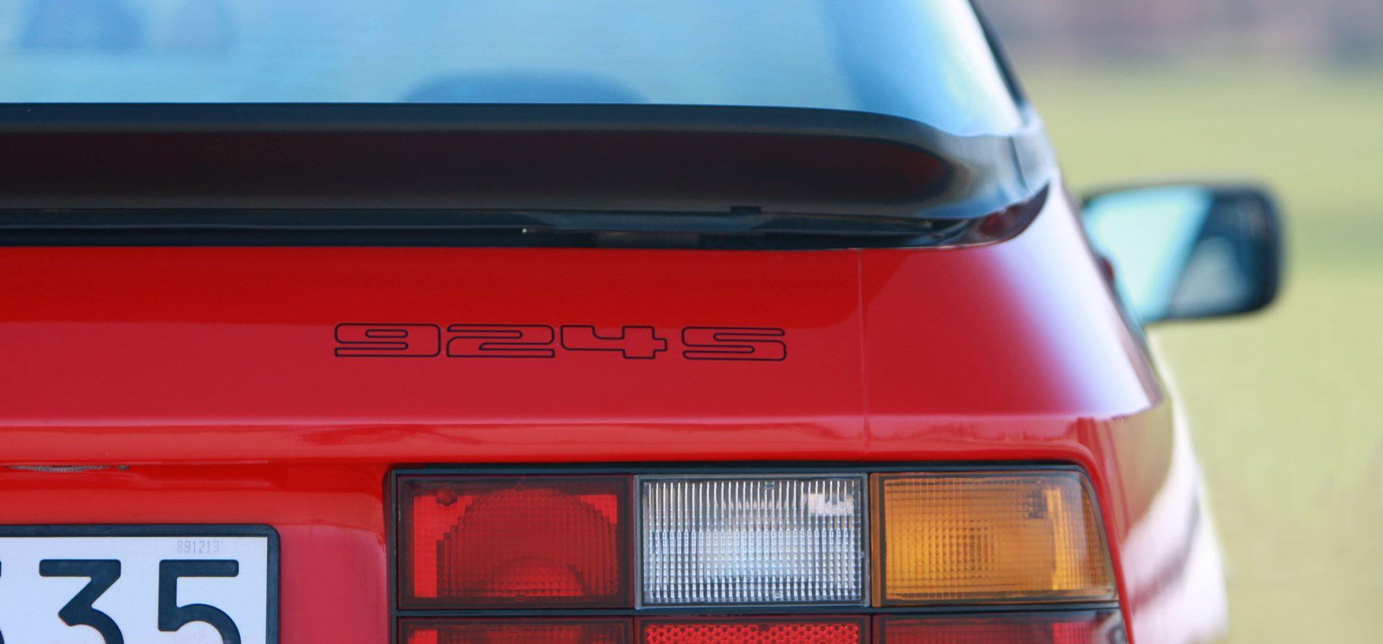Porsche_924S_03